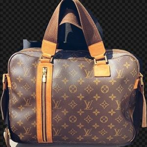 Authentic Louis Vuitton Bosphore Monogram Canvas
